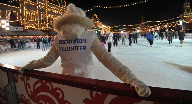 The Sochi 2014 volunteer movement brings about up a wave of social activity in Russia. Source: Kommersant