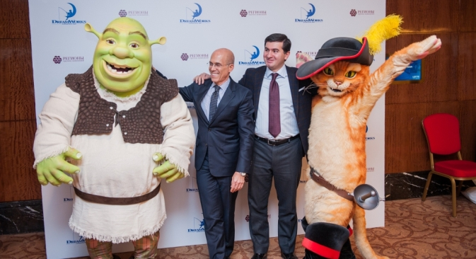 """DreamWorks' characters are very popular in Russia. Pictured (L-R):  DreamWorks CEO Jeffrey Katzenberg and Amiran Mutsoev, a member of the GK Regions board. Source: GK Regions"