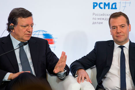 "Chairman of the European Commission Jose Manuel Barroso (left) mentioned ""human rights in Russia"" as one of the key problems that is stalling negotiations. Source: AP"