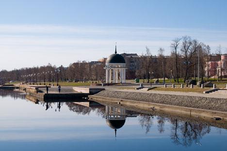 Die Uferpromenade des Onegasees in Petrosawodsk. Foto: Lori / Legion Media