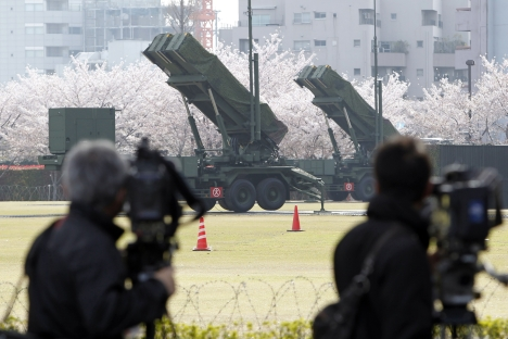 "The U.S. announced that the cancellation of the fourth phase of its AMB in Europe would allow resources to be shifted to Asia from Europe. Pictured: The U.S. ""Patriot"" missiles units at the Defense Ministry in Japan. Source: AP"