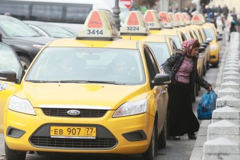 Taxifahren in Moskau ist leichter geworden, es gibt inzwischen viele Fuhrunternehmen, die per Anruf angeflitzt kommen. Foto: RIA Novosti