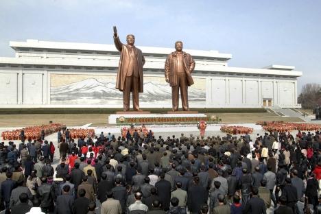 Expertos creen que es momento de seguir dialogando para conseguir la desnuclearización de la península. Fuente: Reuters