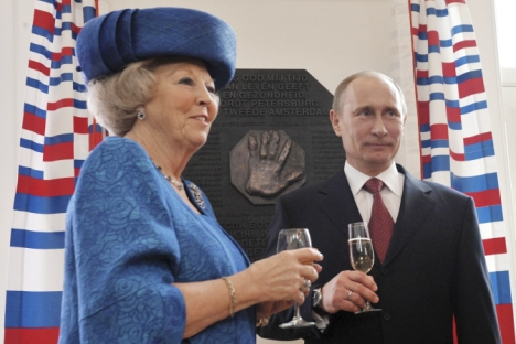 Zusammen mit Königin Beatrix eröffnete Wladimir Putin das Jahr Russlands in den Niederlanden und das Jahr der Niederlande in Russland. Foto: Reuters