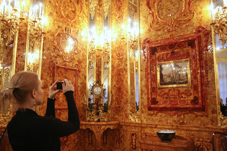 The Amber Room attracts visitors all over the world. Source: ITAR-TASS