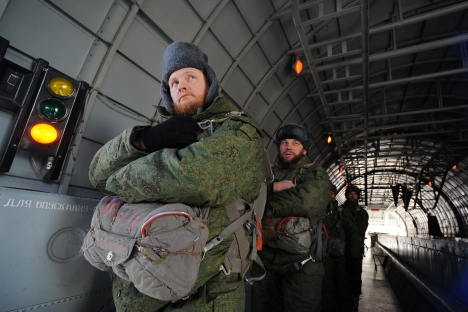 Paratrooper priests have landed the world's first-ever mobile church. Source: ITAR-TASS