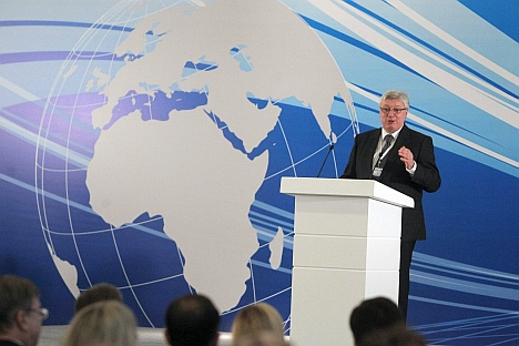 MGIMO's Rector Anatoly Torkunov taking the floor during its first international alumni reunion that was held on April 11-13 in Azerbaijan's capital of Baku. Source: Rossiyskaya Gazeta / Sergey Kuksin
