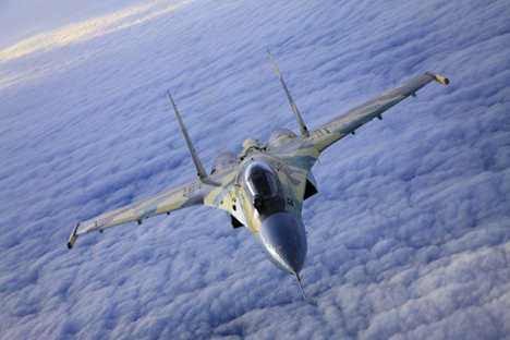 Su-35 has a 30mm gun and 12 wing. It is capable of detecting air targets at a distance of over 250 miles. Source: Sukhoi.org