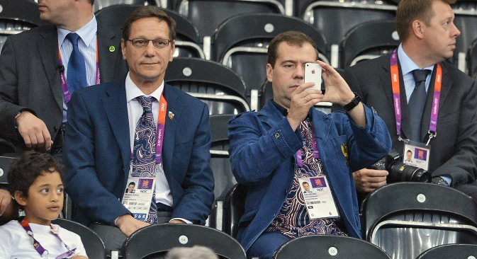 Some Russian politicians know that social networks are a high-risk zone. Pictured (L-R): President of the Russian Olympic Committee Alexander Zhukov and Prime Minister Dmitry Medvedev at the volleyball match between Russia and UK. Source: Kommersant / Dmitry Azarov
