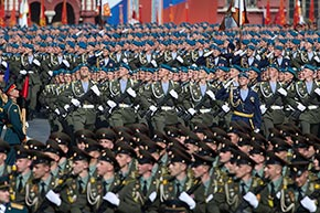 Russian soldiers march along Red Square during a Victory Day parade. Sourse: AP / Ivan Sekretarev