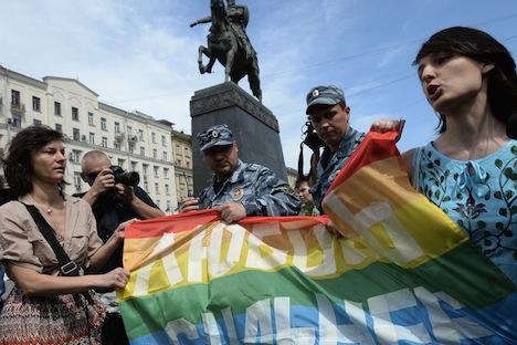 Activistas LGTB tratan de realizar una marcha a favor de sus derechos en Moscú. Fuente: RIA Novosti / Alexéi Filoppov