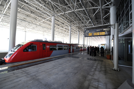 The high-speed trains operate at a speed of 100-155 miles per hour. Source: ITAR-TASS