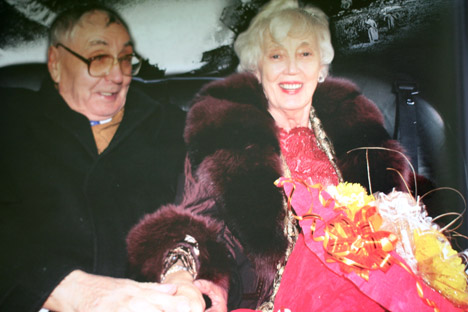 "Russian soldier Ivan Byvshikh and German woman Elizabeth Waldhelm got married 62 years after  WW2. Source: ""Neizvestnaya Sibir"" magazine"