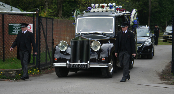 The hearse with the body of Boris Berezovsky at the Brookwood Cemetery, Surrey County, Great Britain. Source: ITAR-TASS