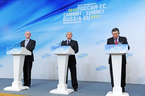 Russian President Vladimir Putin (left) and European Commission President Jose Barroso attending a joint press conference on the results of the Russia-EU Summit in Yekaterinburg, June 4, 2013. Source: RIA Novosti / Michael Klimentyev