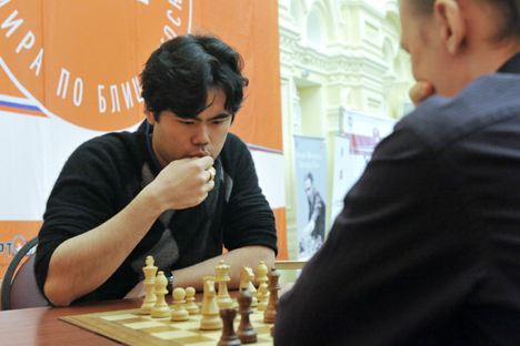 Grandmaster Hikaru Nakamura (L) taking part in the Men's World Blitz Chess Championship in 2010. Source: Sergei Pyatakov / RIA Novosti