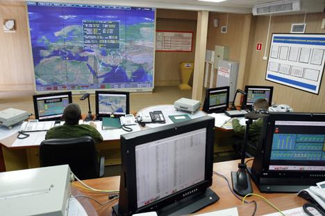 Nos próximos cinco anos, os comandantes do Exército necessitarão de uma grande quantidade de softwares, cuja criação será feita por militares dа companhia científica Foto: Kremlin.ru
