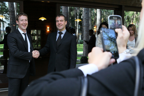 Dmitry Medvedev (R) is interested in innovative products and services. Last year he met with Facebook founder, Mark Zuckerberg in Moscow. Source: ITAR-TASS