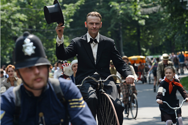 Muscovites prefer time bicycles to time machines