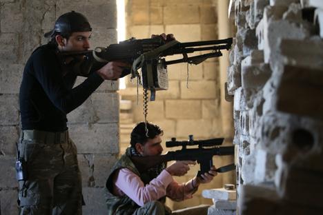 Militantes tchetchenos estão combatendo nas fileiras da oposição na Síria Foto: AP
