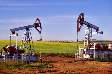 Each oil company expects to increase its oil production in the medium term, at least slightly. Source: ITAR-TASS