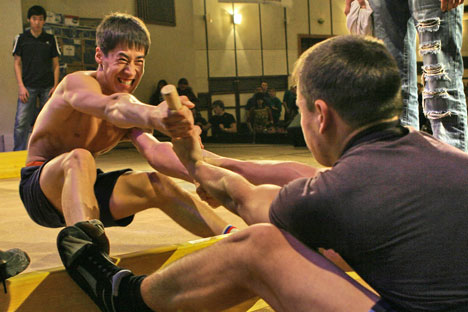 Mas-wrestling conquers national sport title in Yakutia region. Source: ITAR-TASS
