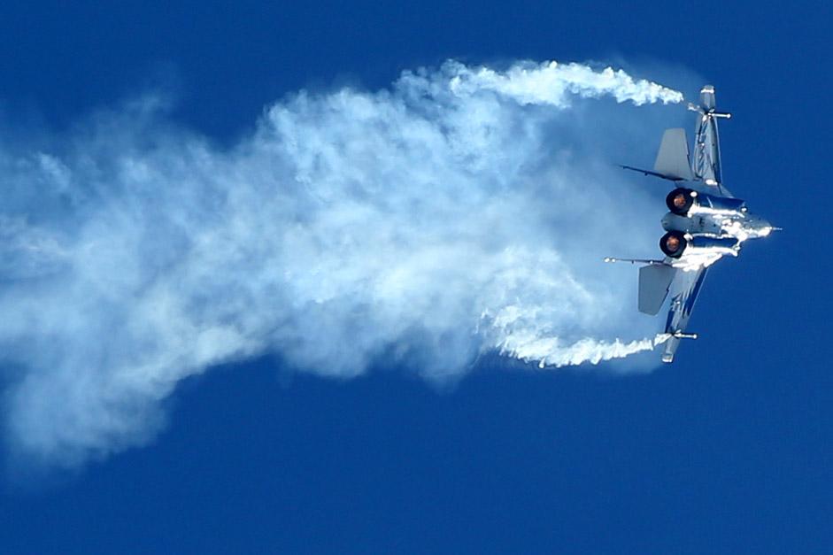 MiG-29 mampu terbang dengan kecepatan hingga 2.400 kilometer per jam.