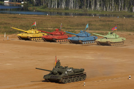 This tank biathlon epidemic struck the army in July: Each military district selected three of their best tank platoons to take part in the finals in Alabino near Moscow. Source: Sergei Micheev