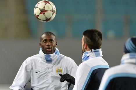 Der Kapitän von Manchester City Yaya Touré forderte für die Chimki-Arena eine Sperre für mehrere Spiele und rief zudem die dunkelhäutigen Spieler dazu auf, die Fußballweltmeisterschaft 2018 in Russland zu boykottieren. Foto: RIA Novosti