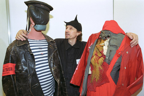 """Der berühmt-berüchtigte Modeschöpfer Alexander """"Petljura"""" Ljaschenko inspiriert und provoziert gerne mit seinen Darbietungen. Foto: PhotoXPress"""