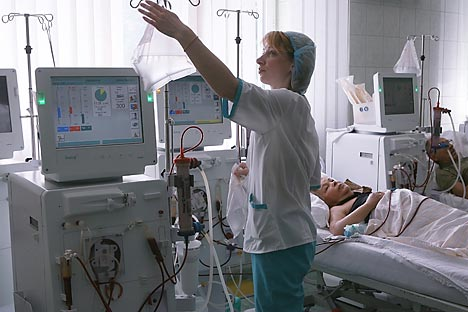 Should healthcare providers in Russia still lack necessary treatment techniques that are already in use in foreign clinics, treatment abroad is possible even at the expense of the Russian healthcare budget, after the acquisition of appropriate certificates. Source: RIA Novosti