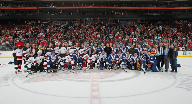 The NHL and the Russian Hockey Legends during the Global Hockey Legends For Hurricane Sandy Relief Charity Game in New Jersey, on April 13. Source: Getty Images / Fotobank