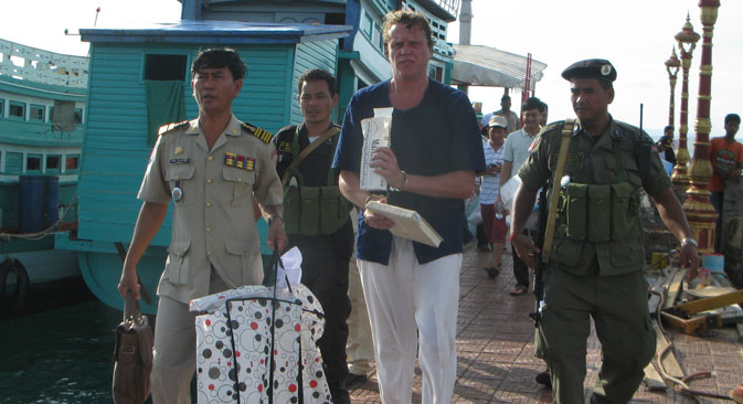 In the early hours on Monday the Cambodian authorities launched an operation to detain the Russian businessman, who had been put on an international wanted list. Source: AP