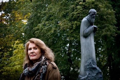 Die bekannte Literaturhistorikerin Ljudmila Saraskina antwortet die Fragen über Dostojewskis Leben. Foto: Anna Artemjewa / Nowaja Gaseta