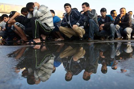 Os estrangeiros são normalmente expulsos por violarem leis nacionais Foto: AP