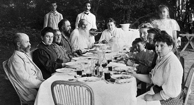 Leo Tolstoy and his family in the country estate in Yasnaya Polyana. Source: RIA Novosti