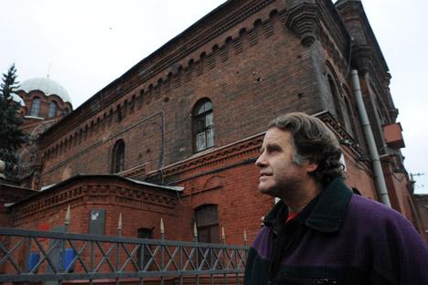 "Der Kapitän von ""Arctic Sunrise"" Peter Willcox: ""Ich hatte die besten Zellengenossen in Sankt Petersburg"". Foto: AFP/East News"