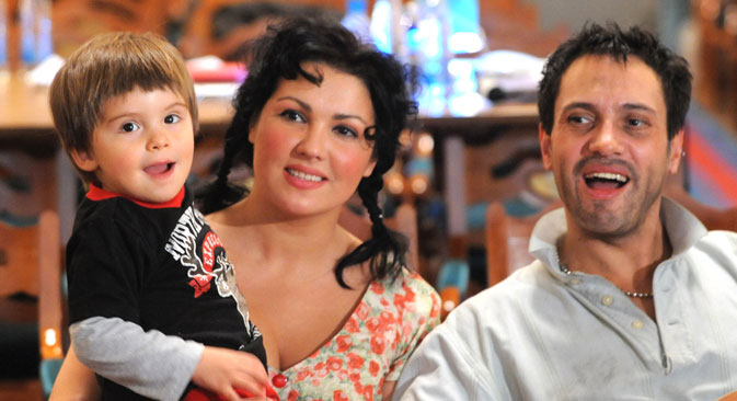 Anna Netrebko, her son and her civil partner baritone Erwin Schrott. Source: ITAR-TASS