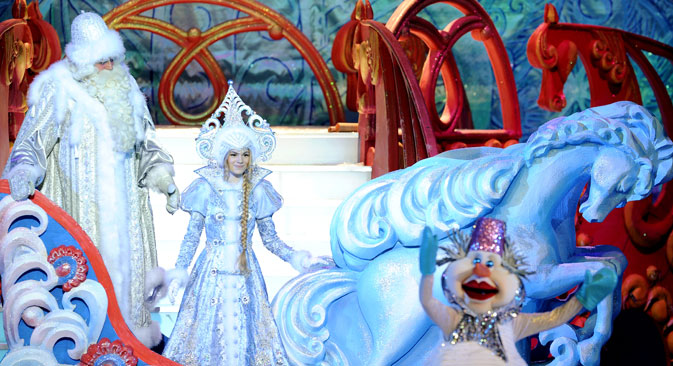 Father Frost (L) and his granddaughter, the Snow Maiden. Source: Maxim Blinov / RIA Novosti