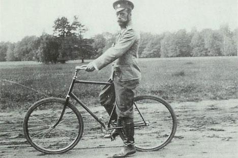 Nikolai II beim Radfahren. Foto: Kulturministerium Russlands