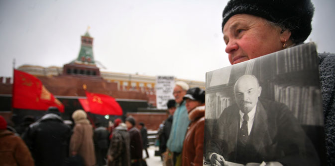 Muscovites see no point in Lenin's mausoleum in Red Square. Source: AFP / East News