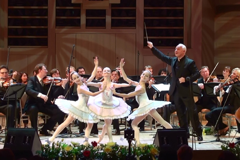 Vladimir Spivakov and Moscow Virtuosi Orchestra with soloists from the Spivakov International Charity Foundation. Source: Press Photo