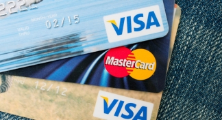 Visa and MasterCard withdraw sanctions against two Russian banks