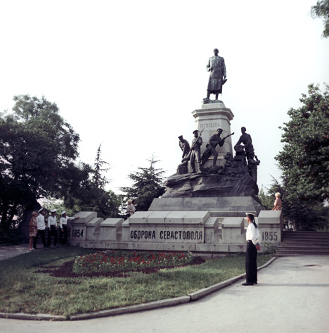 Monumento ao general Eduard Totleben e defensores de Sevastopol na Guerra de Crimeia, em 1854 e 1855. Inaugurado em agosto de 1909. Fotografia tirada em 1972. Foto: Elantchuk / RIA Nóvosti