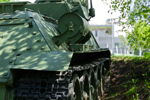 VIDEO: The T-34 Tank and other legendary weapons of World War II