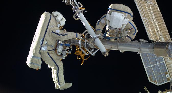 Kozmonauti danas više ne skrivaju: čekaju ruski ruksak za sigurni boravak u zrakopraznom prostoru te ističu da bi jako željeli dobiti takav uređaj za rad na vanjskoj površini Međunarodne svemirske stanice. Izvor:  Roskosmos