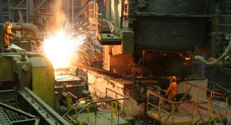 Why are Russian metals companies withdrawing from the U.S. and Europe?
