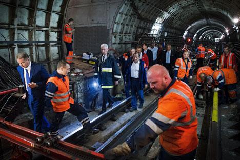 De acordo com os dados da investigação, em maio deste ano foram conduzidos trabalhos de instalação de desvios e trilhos que ligam a linha Arbatsko-Pakrovskaia Foto: RIA Nóvosti
