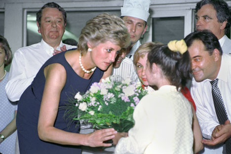 Diana during her visit in Moscow (at Tushinskaya hospital). Source: ITAR-TASS