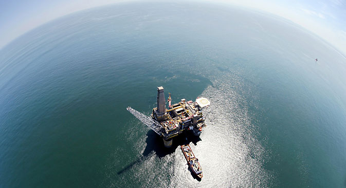 New drilling rig has broken several oil industry world records. Source: ITAR-TASS